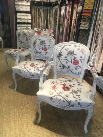 tapissier décorateur nantes 44 fauteuil louis XV patine blanche